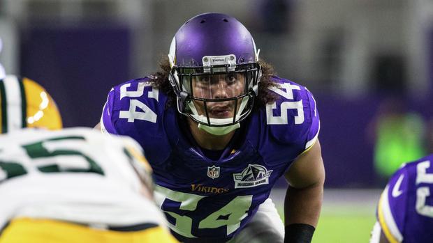 795a7212ec4 On peut remarquer qu'il signe son extension avant Anthony Barr, mais ce  n'est pas si surprenant. Le Linebacker des Vikings Eric Kendricks ...